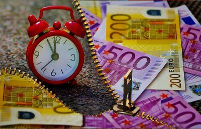 time-is-money-1552771_640